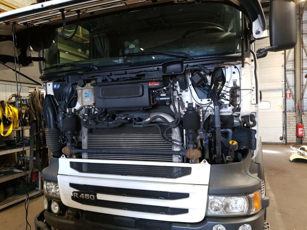 Truck onderhoud in de werkplaats